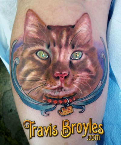 Amazing yellow 3D cat tattoo